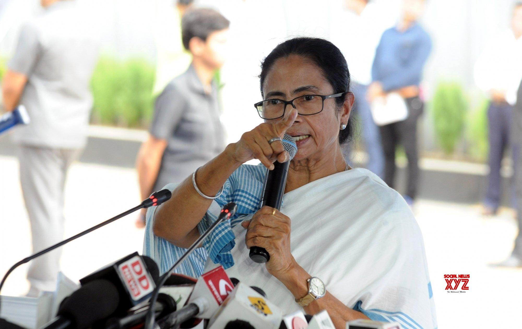 Doctors' strike: Kolkata Mayor's daughter 'ashamed' at Mamata's inaction