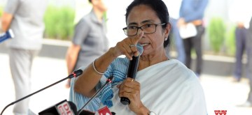 Howrah: West Bengal Chief Minister Mamata Banerjee addresses a press conference at Nabanna in Howrah on June 10, 2019. (Photo: IANS)