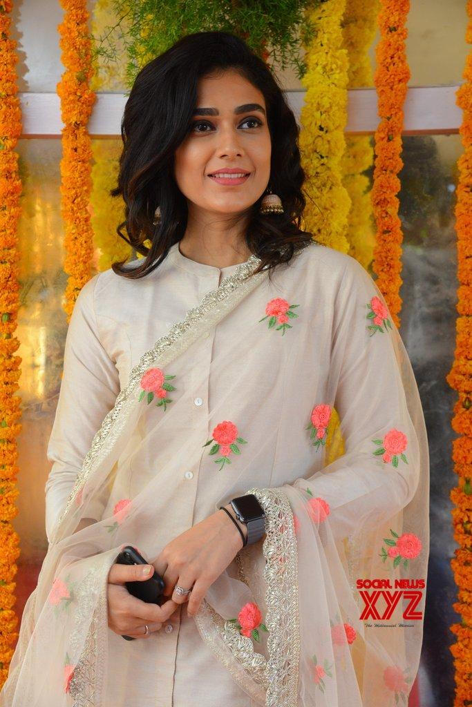 Actress Aakanksha Singh Stills From Aadhi Pinisetty's Clap Movie Opening
