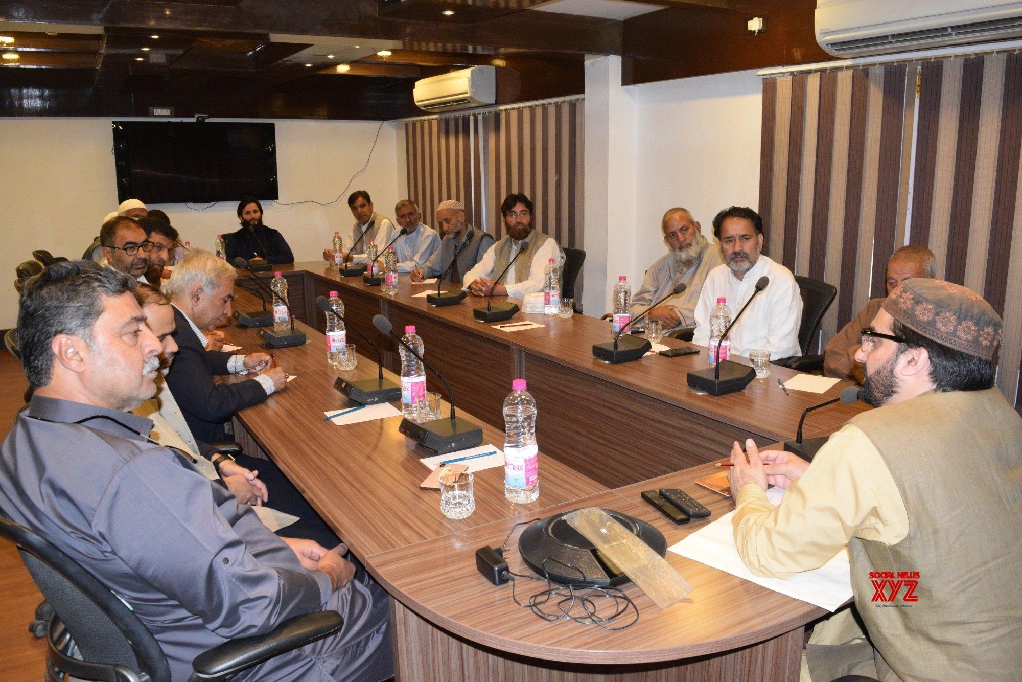 Srinagar: Mirwaiz Umar Farooq chairs Hurriyat meeting #Gallery
