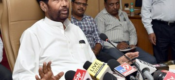 New Delhi: Union Consumer Affairs, Food and Public Distribution Minister Ram Vilas Paswan addresses a press conference on the future roadmap for the Food Corporation of India (FCI), in New Delhi, on June 7, 2019. (Photo: IANS/PIB)