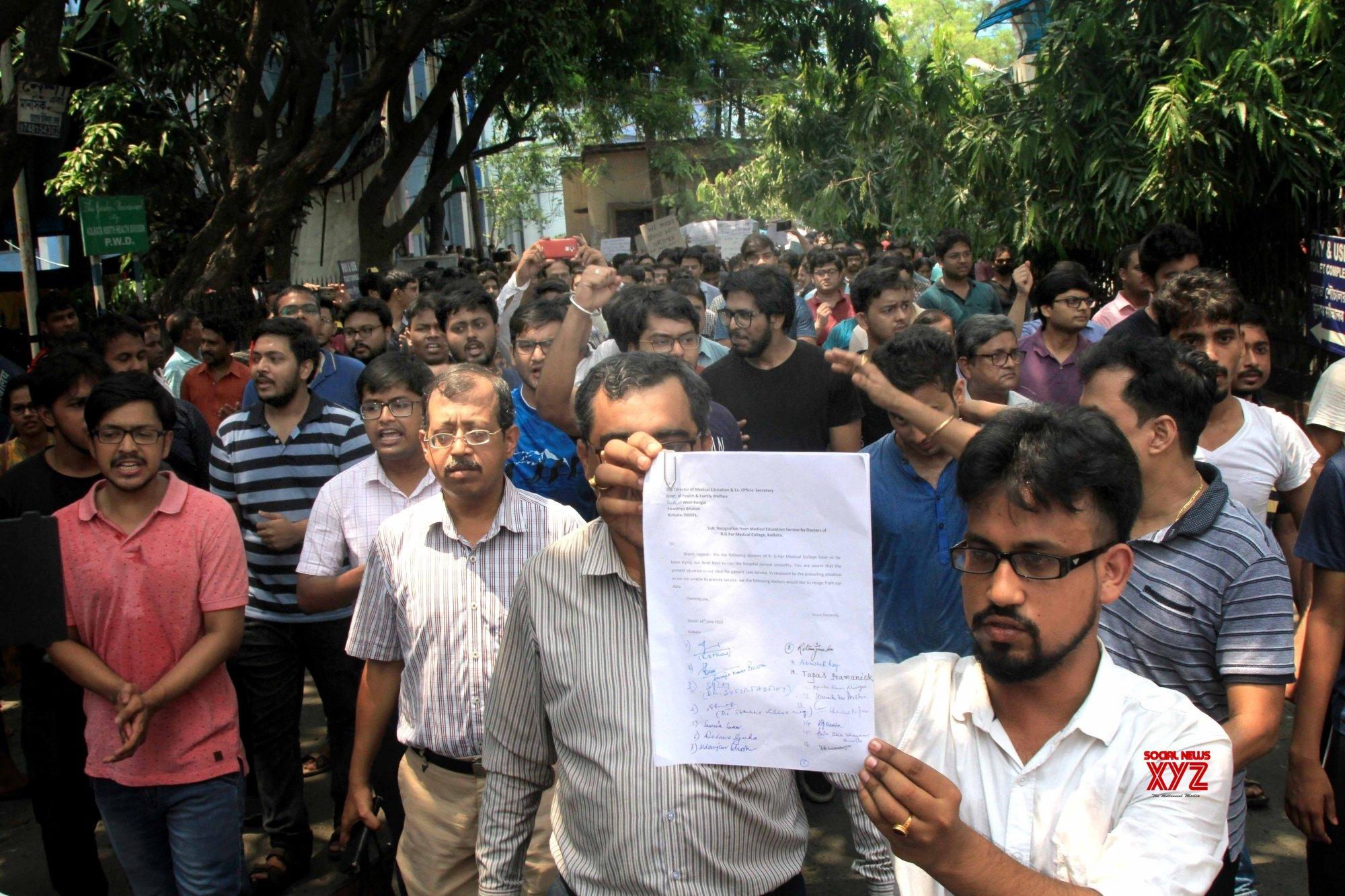 Kolkata: RG Kar Medical College and Hospital doctors resign #Gallery