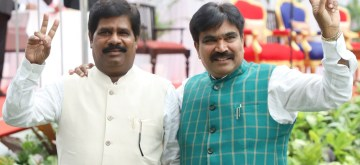 Bengaluru: Karnataka Pragyavantara Janata Paksha (KPJP) MLA R. Shankar and Independent MLA H. Nagesh after taking oath as cabinet ministers in the year-old Janata Dal-Secular (JD-S)-Congress coalition government in Karnataka, in Bengaluru on June 14, 2019. (Photo: IANS)