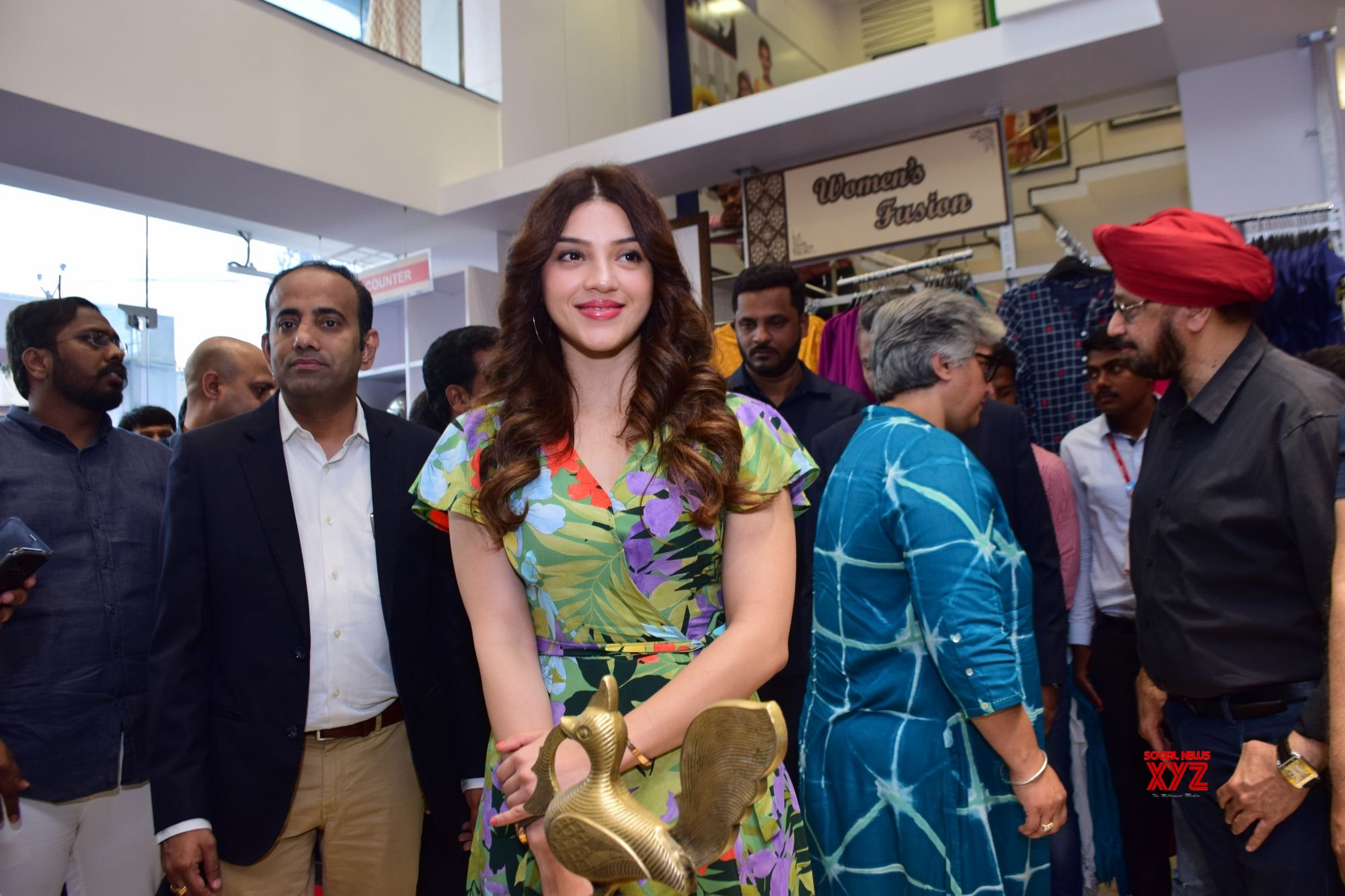 Actress Mehreen Pirzada Launches 13th Store Of EasyBuy In Hyderabad At Trimulgherry Gallery Set 1