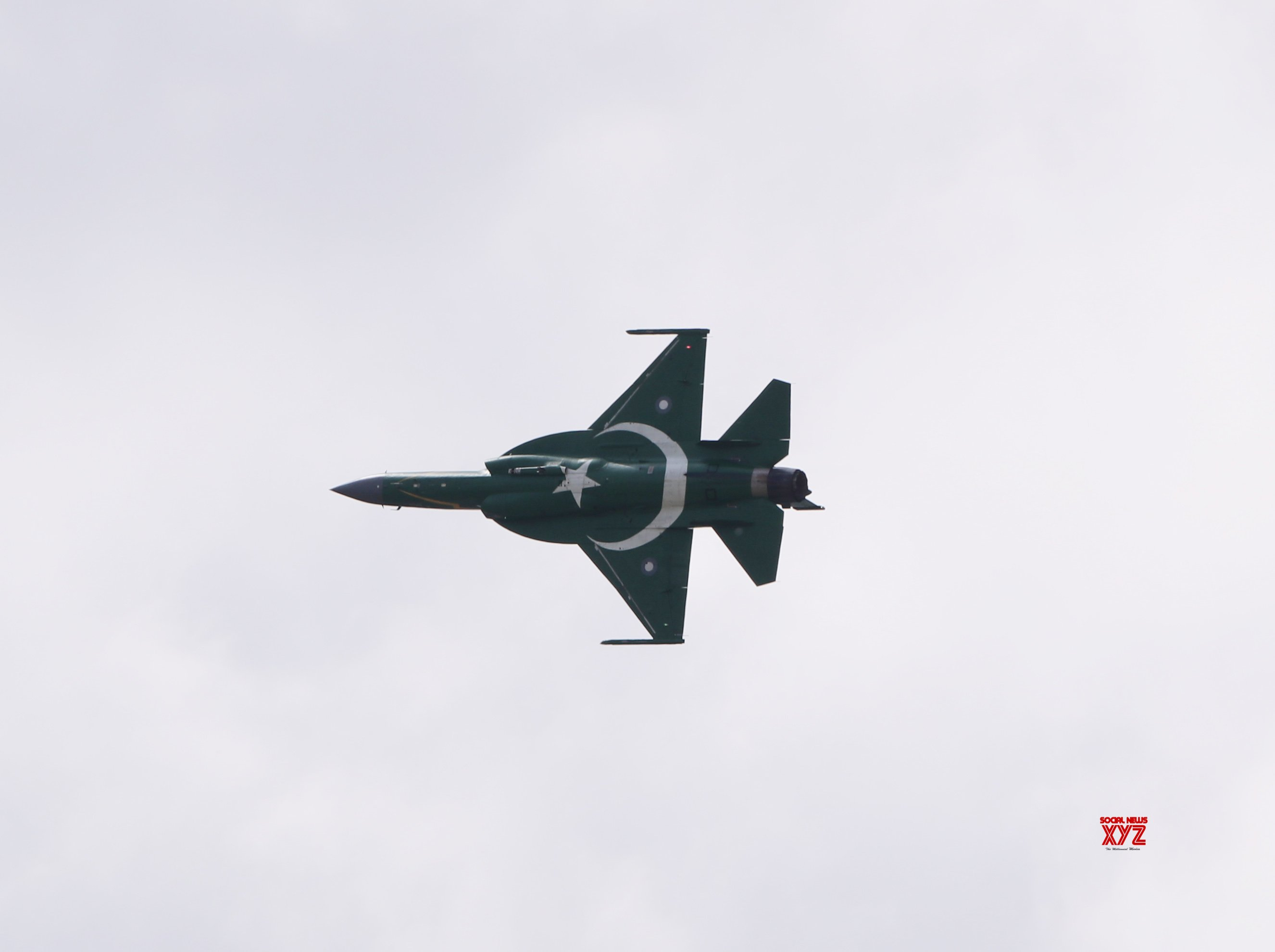 FRANCE - PARIS - AIR SHOW - JF - 17 THUNDER #Gallery