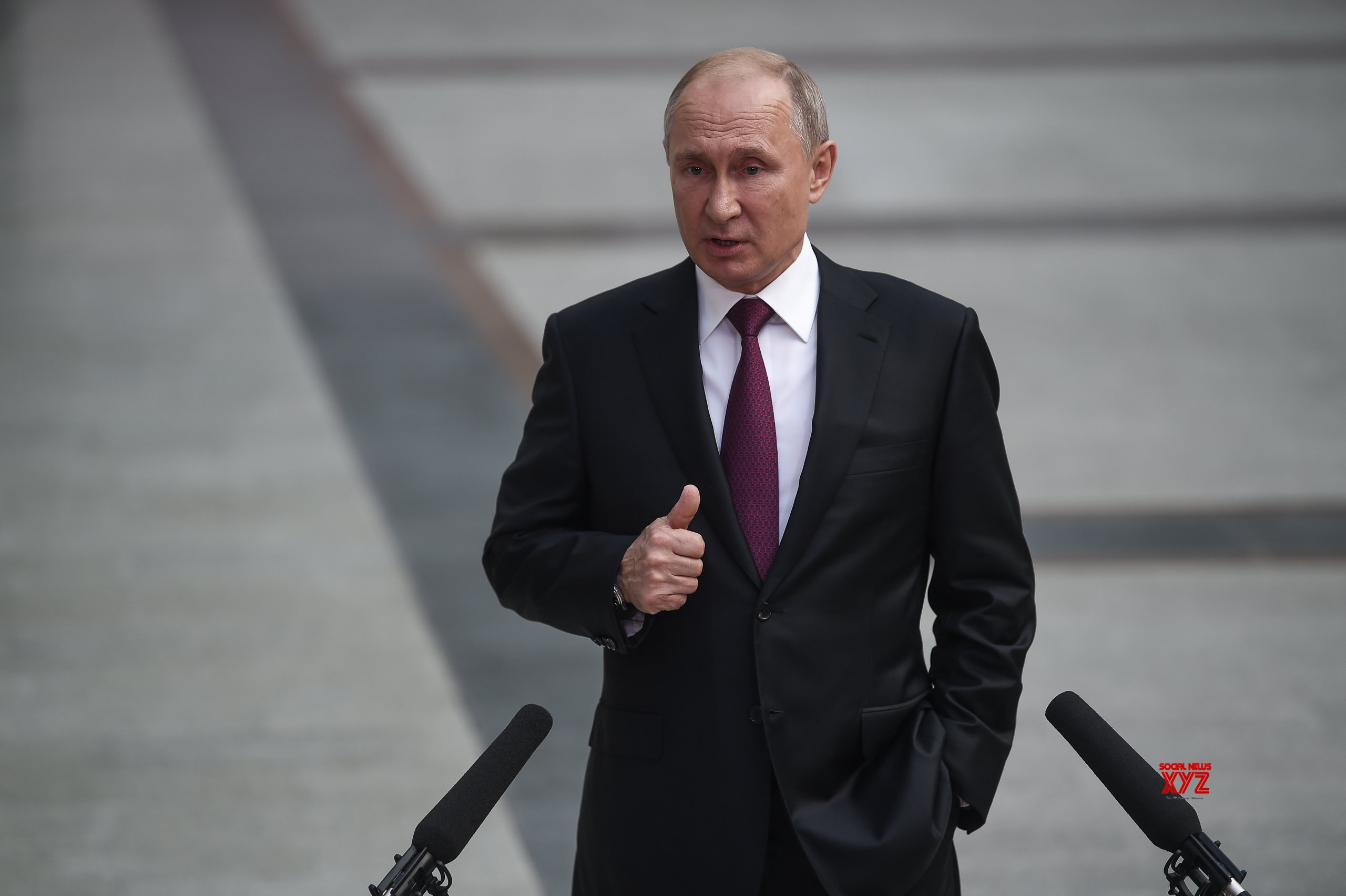 Putin pitches major constitutional changes, names new PM