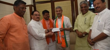 New Delhi: External Affairs Minister S. Jaishankar joins the BJP in the presence of the party's National Working President J.P. Nadda at the party's Parliamentary Office, in New Delhi on June 24, 2019. Also seen MoS External Affairs V. Muraleedharan and BJP leaders Kailash Vijayvargiya and Bhupender Yadav. (Photo: IANS)