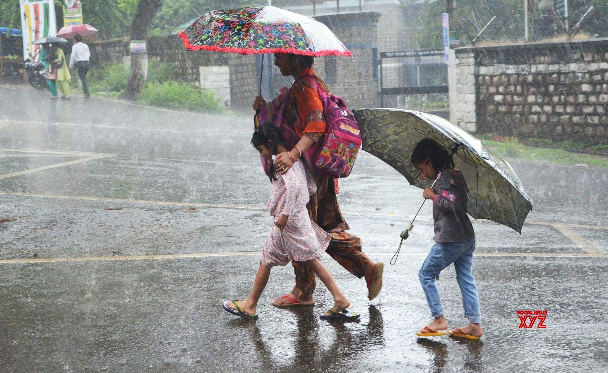 Rains aplenty in south Gujarat, few drops in water-starved Kutch