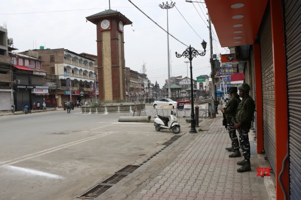 After 70 days, mobile phones start ringing in Kashmir again - Social News XYZ
