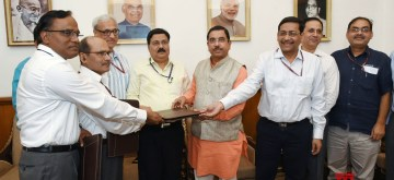 New Delhi: Union Parliamentary Affairs, Coal and Mines Minister Pralhad Joshi witnesses the signing ceremony of Joint Venture agreement for Khanij Bidesh India Ltd. (KABIL) between NALCO, HCL and MECL, in New Delhi on Aug 1, 2019. (Photo: IANS/PIB)