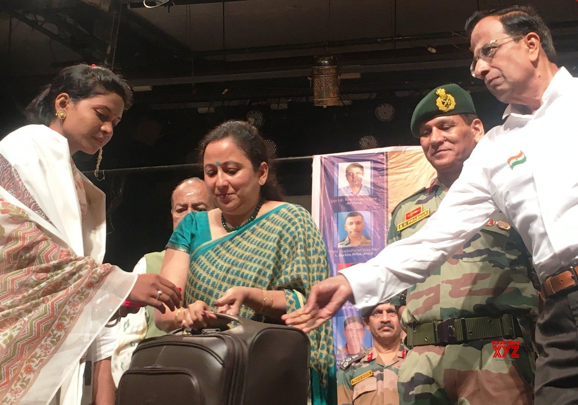 Mumbai: On I - Day, Mumbais Shanmukhananda Sabha salutes war widows #Gallery