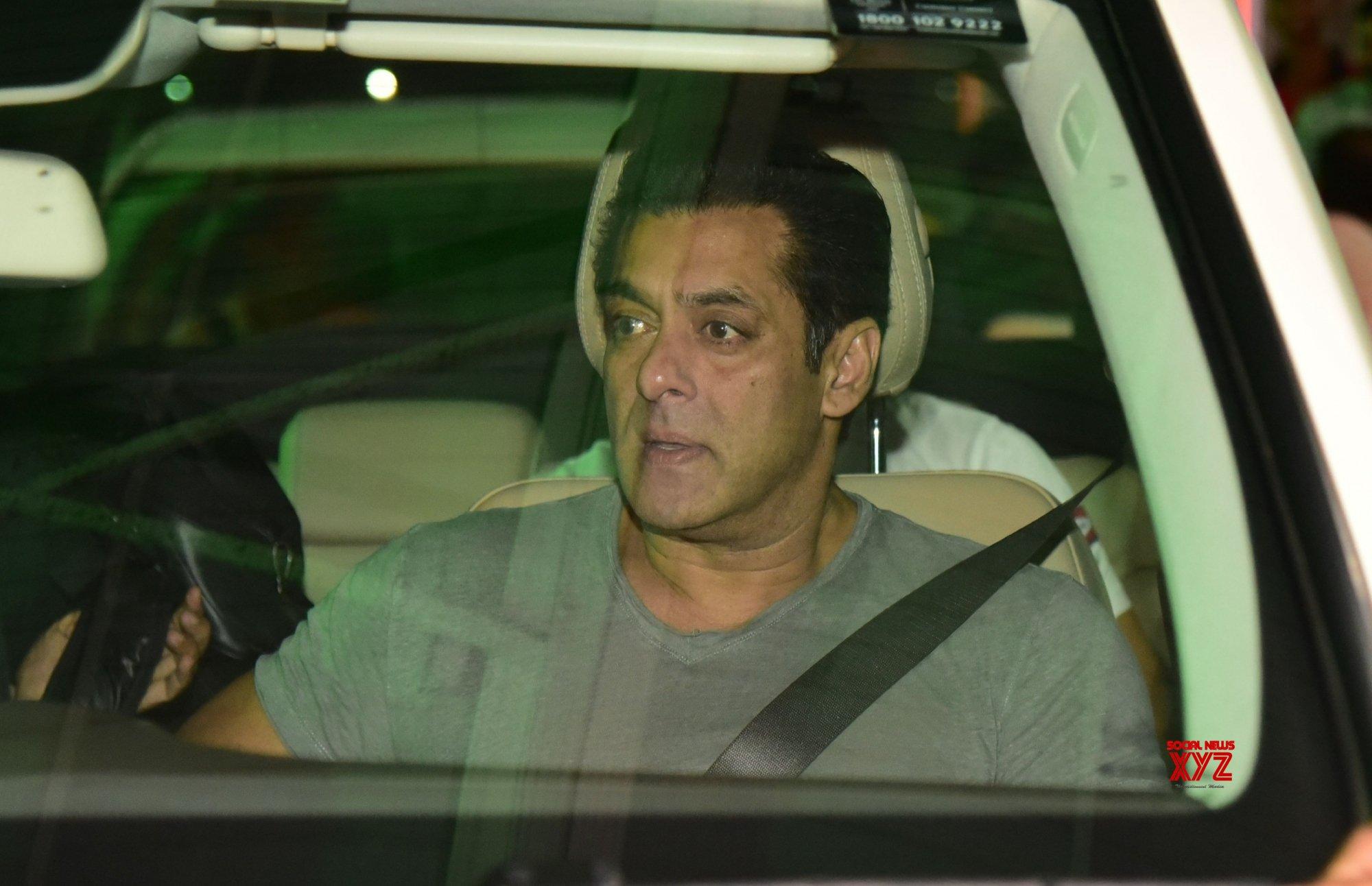 Jaipur: Salman Khan arrives in city #Gallery