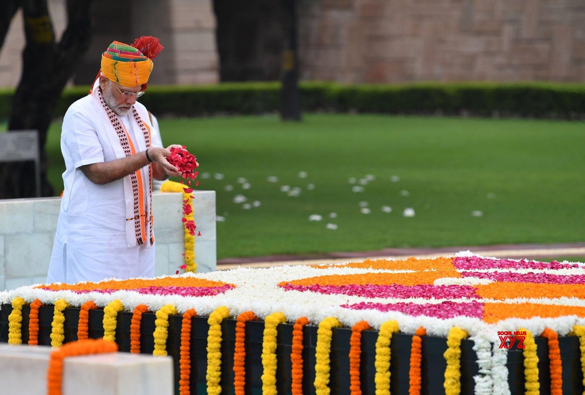 Rajghat: PM Modi pays homage to Mahatma Gandhi #Gallery
