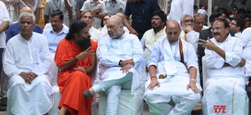 New Delhi: Vice President Venkaiah Naidu, Union Ministers Rajnath Singh, Amit Shah and yoga guru Baba Ramdev attend the last rites of former Finance Minister Arun Jaitley at Nigambodh Ghat in New Delhi on Aug 25, 2019. (Photo: IANS)