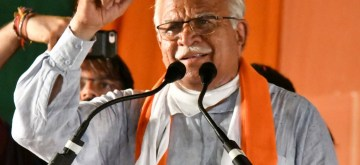 Fatehabad: Haryana Chief Minister Manohar Lal Khattar being greeted by supporters  during 'Jan Ashirwad Yatra' in Fatehabad, on Sep 6, 2019. (Photo: IANS)