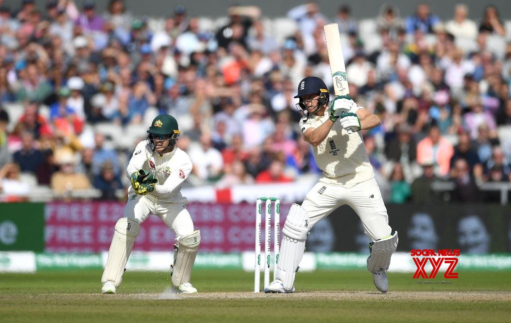 Ashes: Buttler helps England to 271/8 after Marsh burst