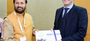 Greater Noida: Iceland Environment and Natural Resources Minister Guomundur Ingi Guobrandsson calls on Union Minister for Environment, Forest & Climate Change and Information & Broadcasting Prakash Javadekar, on the sidelines of the 14th Conference of Parties COP 14 United Nations Convention to Combat Desertification, at India Expo Centre & Mart, in Greater Noida on Sep 10, 2019. (Photo: IANS/PIB)
