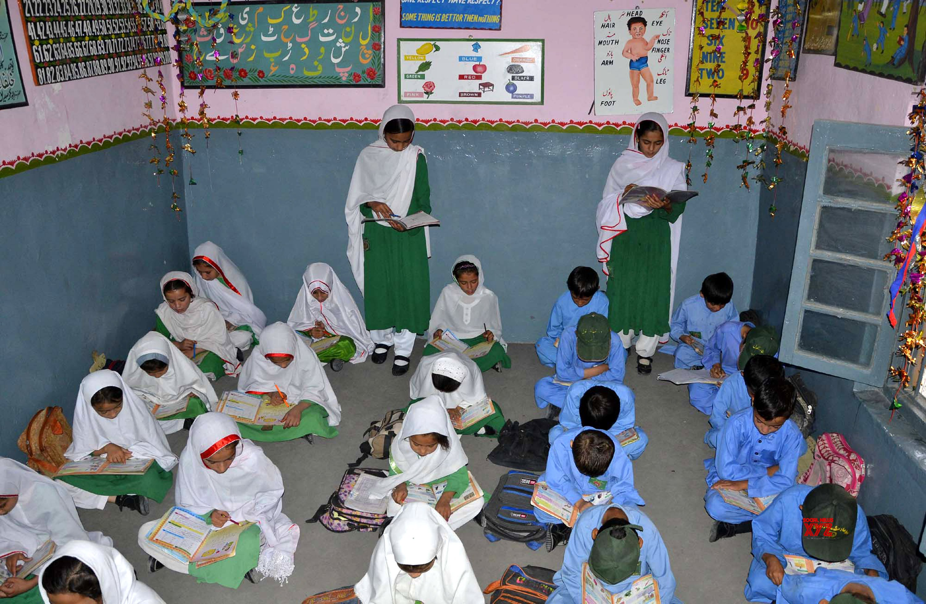 Dress code issued for schoolgirls in Pak district