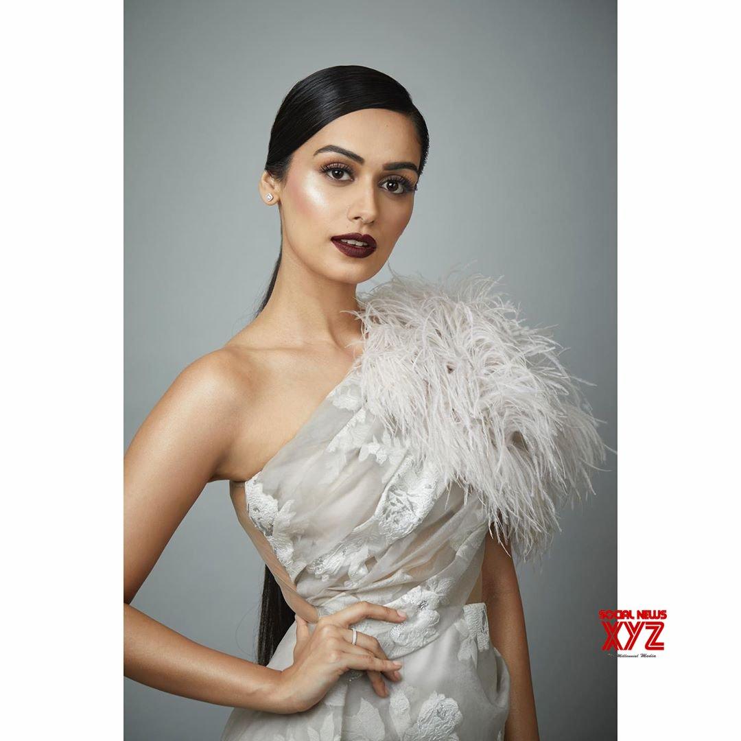 Miss World Manushi Chhillar Hot Stills From Elle Beauty Awards 2019
