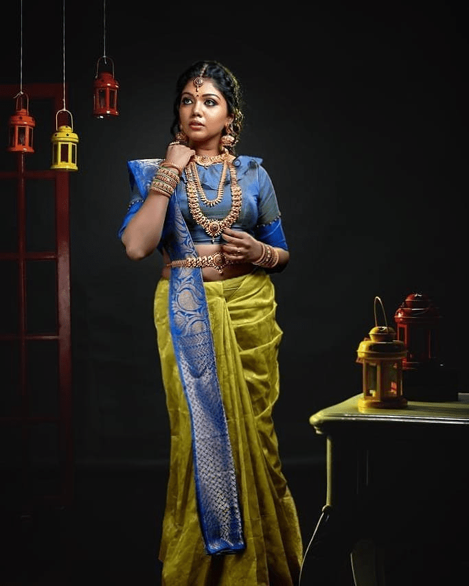 Actress Riythvika Sexy Traditional Stills