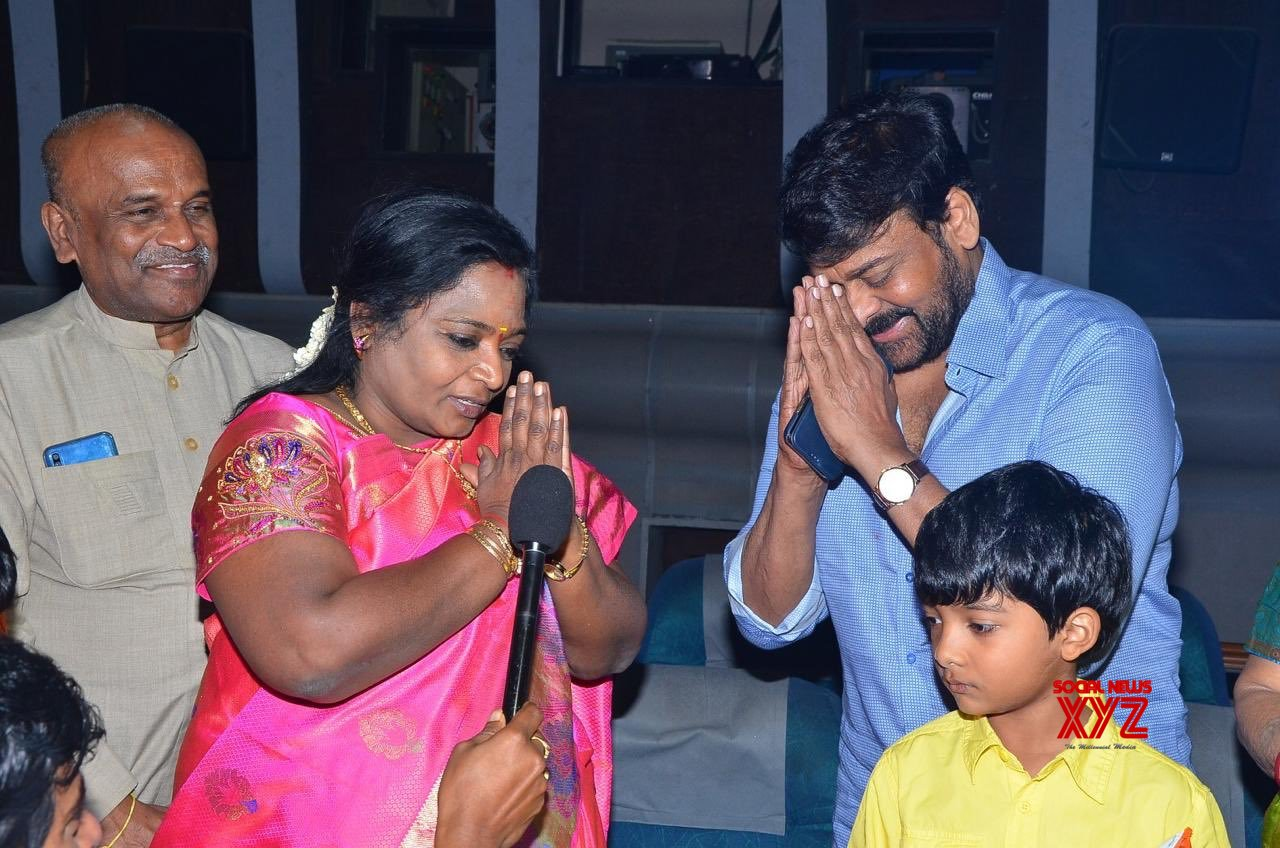 Photos: Telangana Governor Shri Tamilisai Watched Megastar Chiranjeevi's Sye Raa Narasimha Reddy