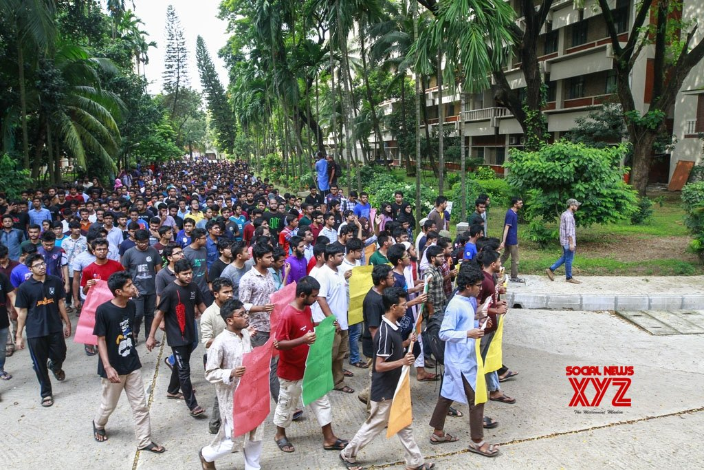 Dhaka: Student's death triggers protest in Bangladesh university #Gallery
