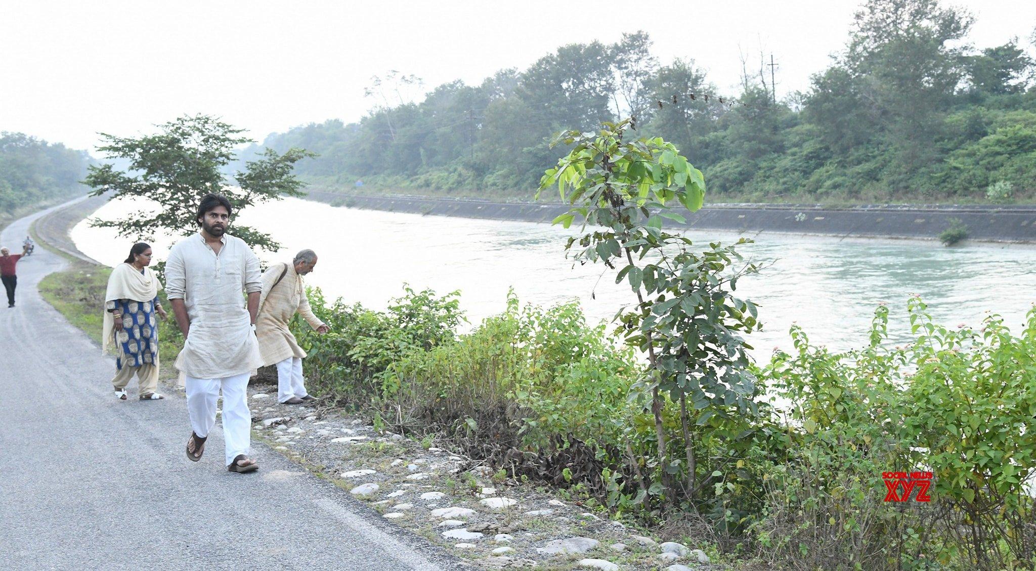 JanaSena Chief Pawan Kalyan Visits Rishikesh River In Haridwar - Gallery