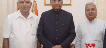 Bengaluru: Karnataka Chief Minister B.S. Yediyurappa and Deputy Chief Minister Govind Karjol meet President Ram Nath Kovind at Raj Bhavan in Bengaluru, on Oct 12, 2019. (Photo: IANS/RB)