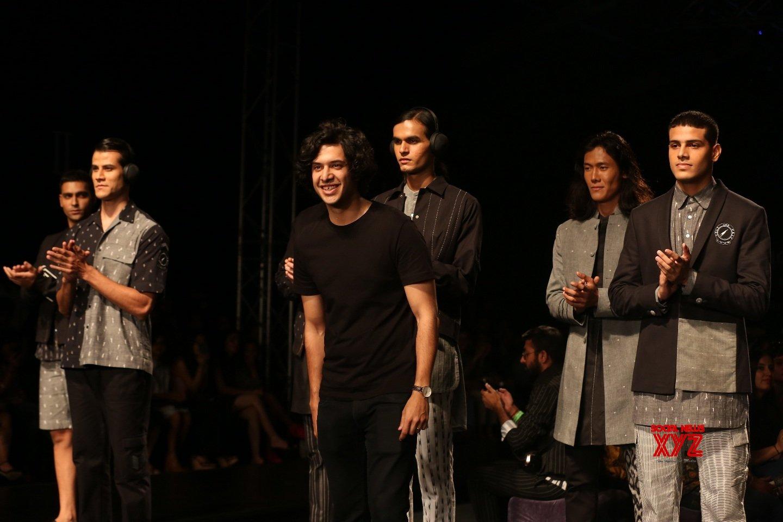 New Delhi: Lotus Make - up India Fashion Week - Day 4 - Bareek's collection showcased (Bath - 2) #Gallery
