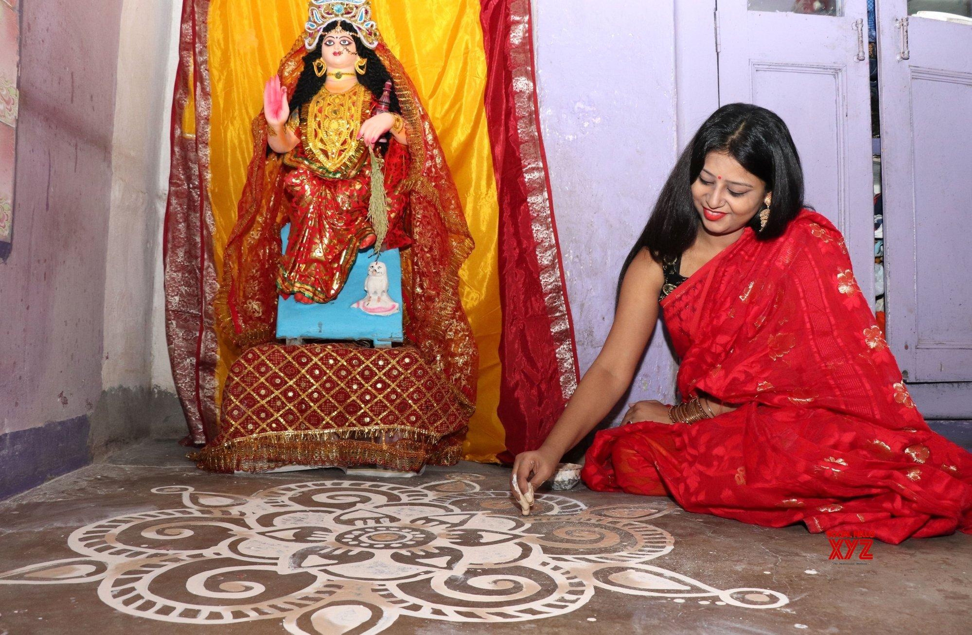 Kolkata: Lakshmi Puja - preparation #Gallery