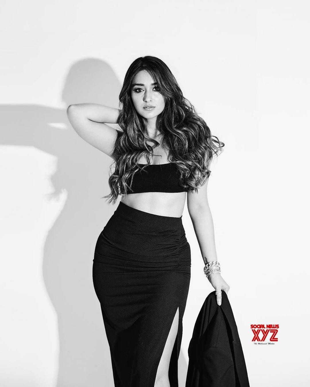 Ileana D Cruz Hot And Sexy Images actress ileana d' cruz sexy stills in zara designer outfit