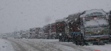 Srinagar: A queue of trucks stranded on Srinagar-Jammu National Highway NH 44 after the highway was closed for traffic due to heavy snowfall, in Srinagar on Nov 7, 2019. (Photo: IANS)