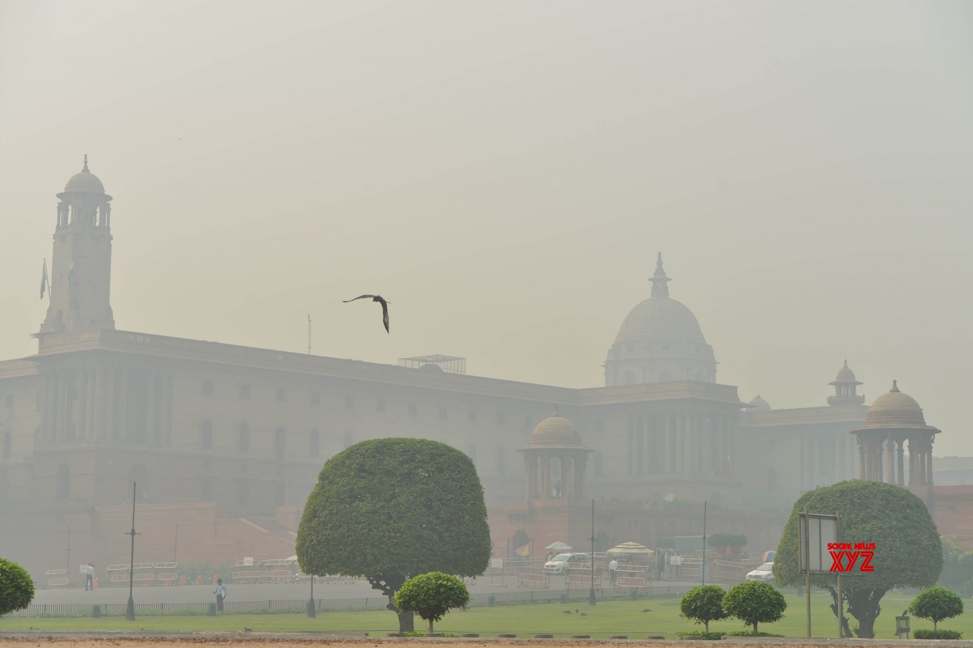 SC for smog towers, anti-smog gun to fight air pollution