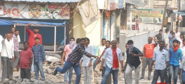 Hyderabad: RTC employees clash with police during their protest to press for their various demands, in Hyderabad on Nov 9, 2019. (Photo: IANS)