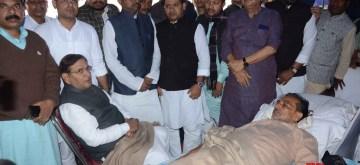 Patna: Loktantrik Janata Dal (LJD) leader Sharad Yadav meets Rashtriya Lok Samata Party (RLSP) chief Upendra Kushwaha who is on an indefinite strike to demand land for building schools in Bihar's Nawada and Deokund (Aurangabad); in Patna on Nov 29, 2019. (Photo: IANS)