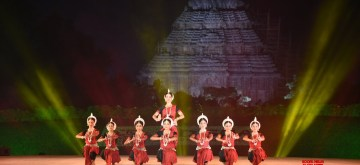 Puri: Artistes perform on the opening day of the 33rd edition of five-day-long Annual Konark Dance and Music Festival, at Konark in Odisha's Puri district on Dec 1, 2019. (Photo: IANS)