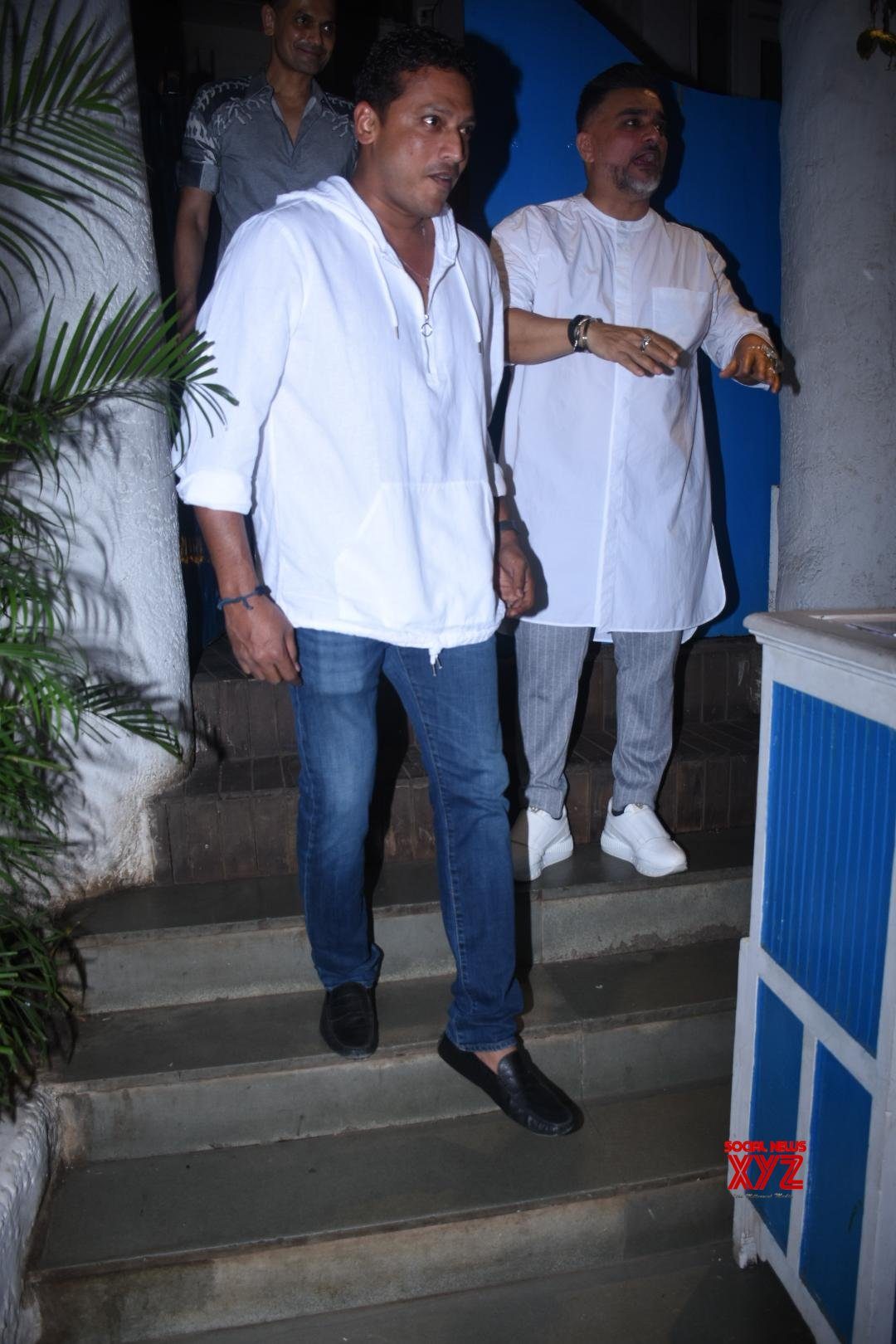 Mahesh Bhupathi, Sunny Leone, And Other Celebs At Raza Beig's Birthday Party At Olive In Bandra Gallery Set 1