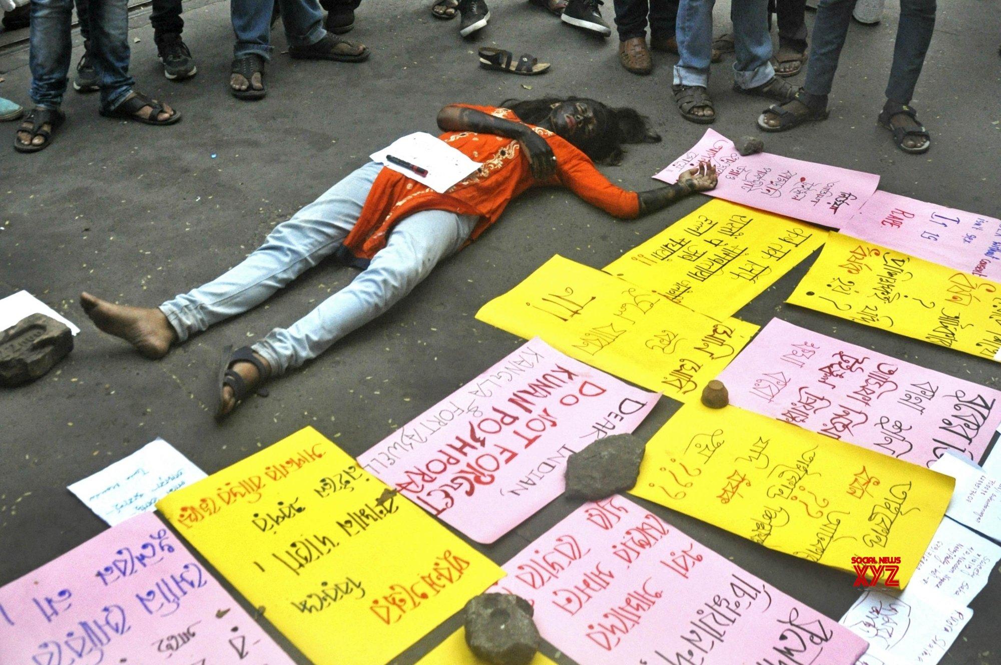 Kolkata: Student's protest against Hyderabad rape - murder #Gallery
