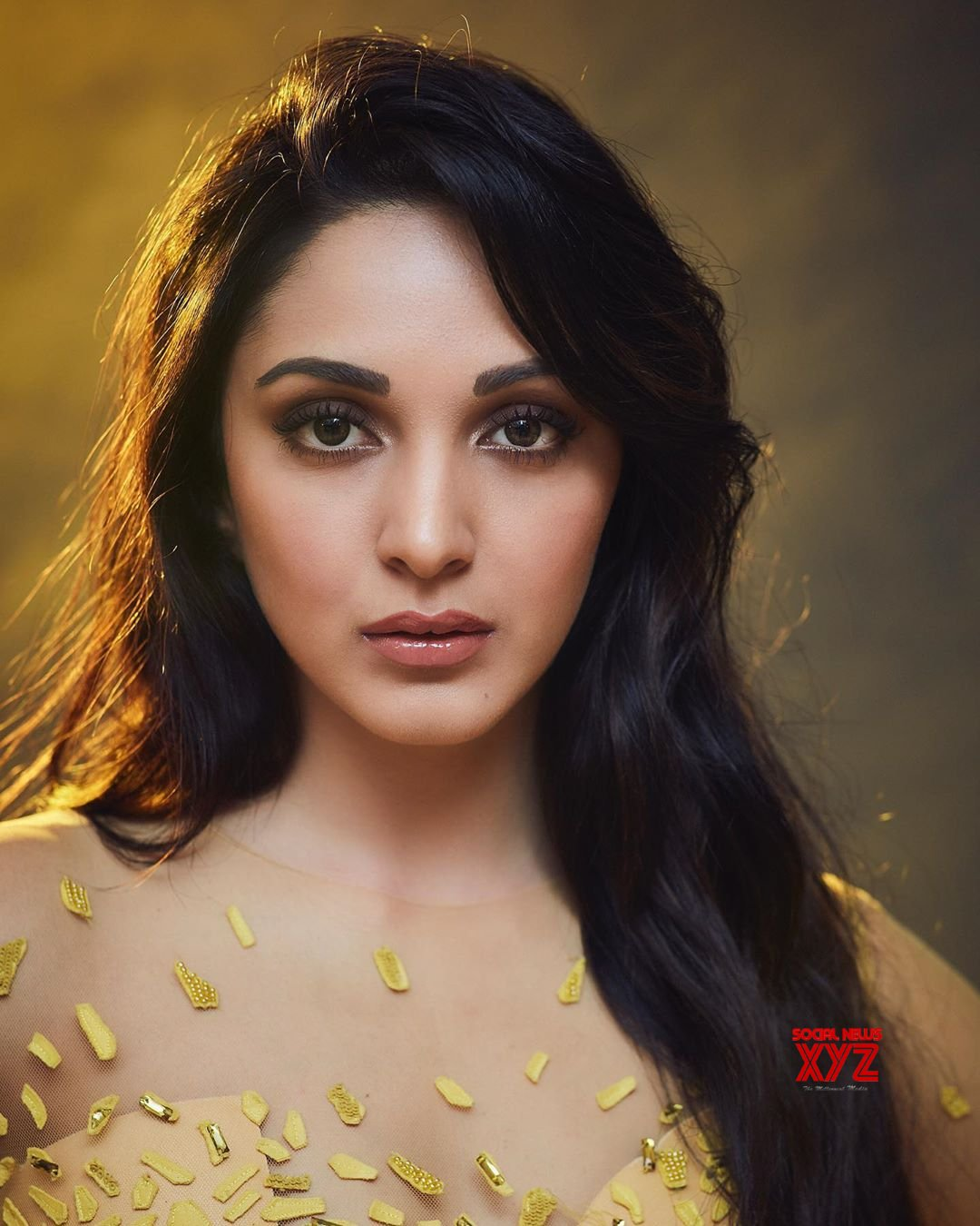 Actress Kiara Advani Hot And Sexy Stills From Filmfare Style And Glamour Awards 2019