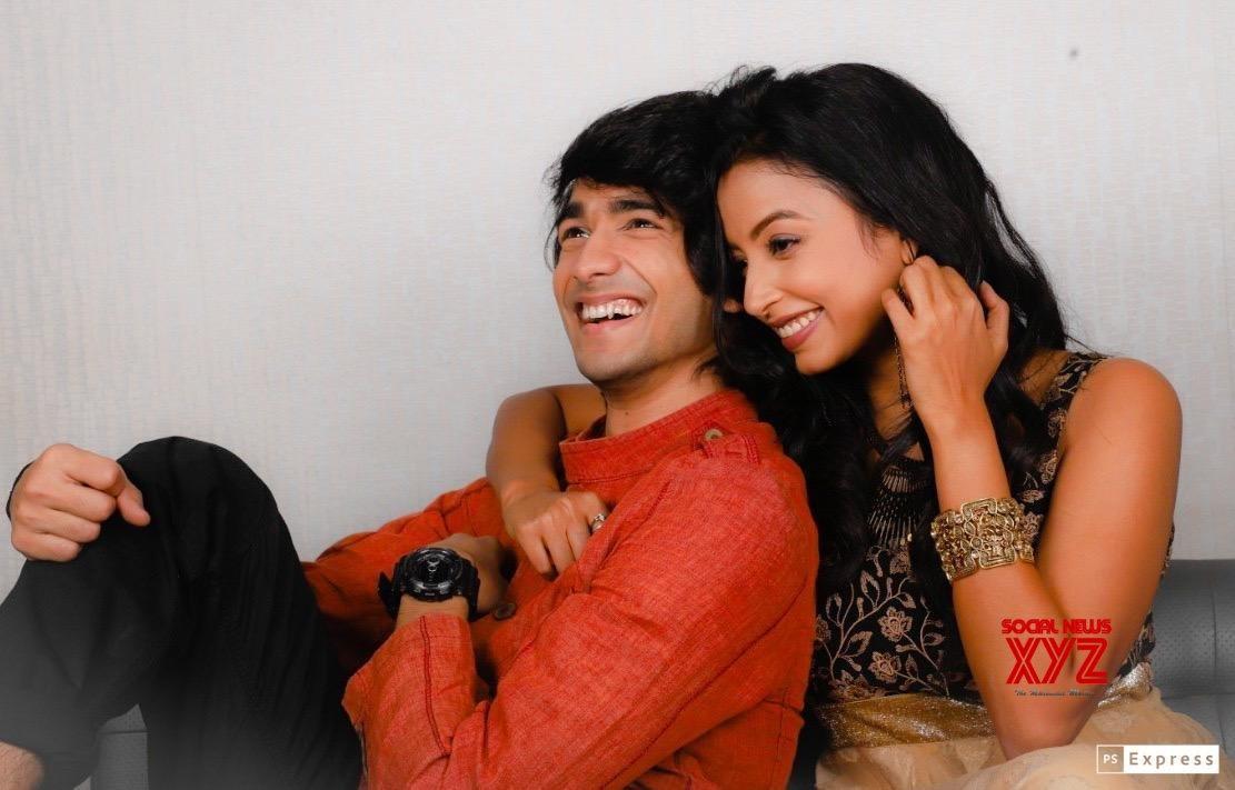 Shantanu Maheshwari, Reecha Sinha team up for music video