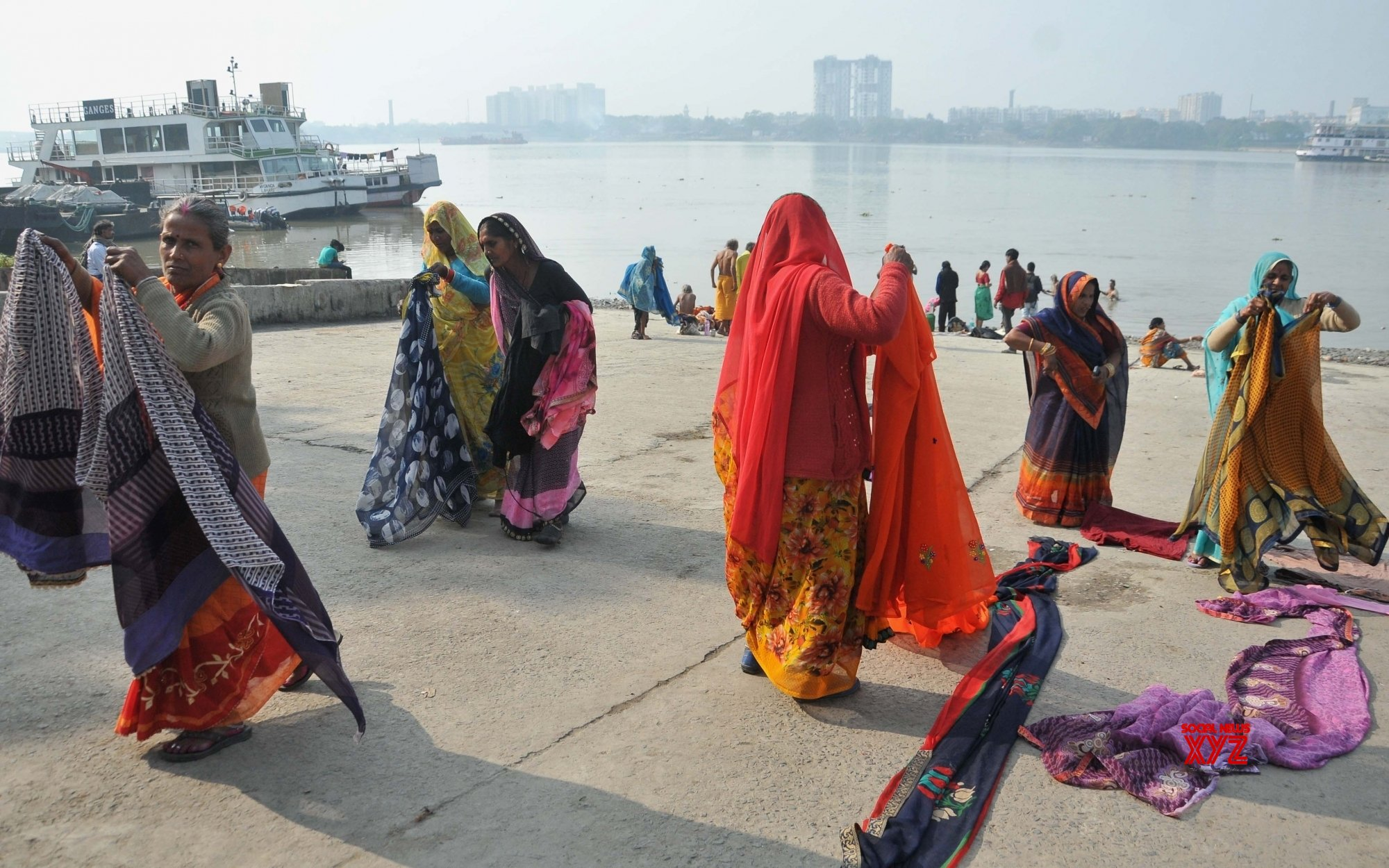 Kolkata: Devotees headed for Gangasagar Mela at Babughat #Gallery