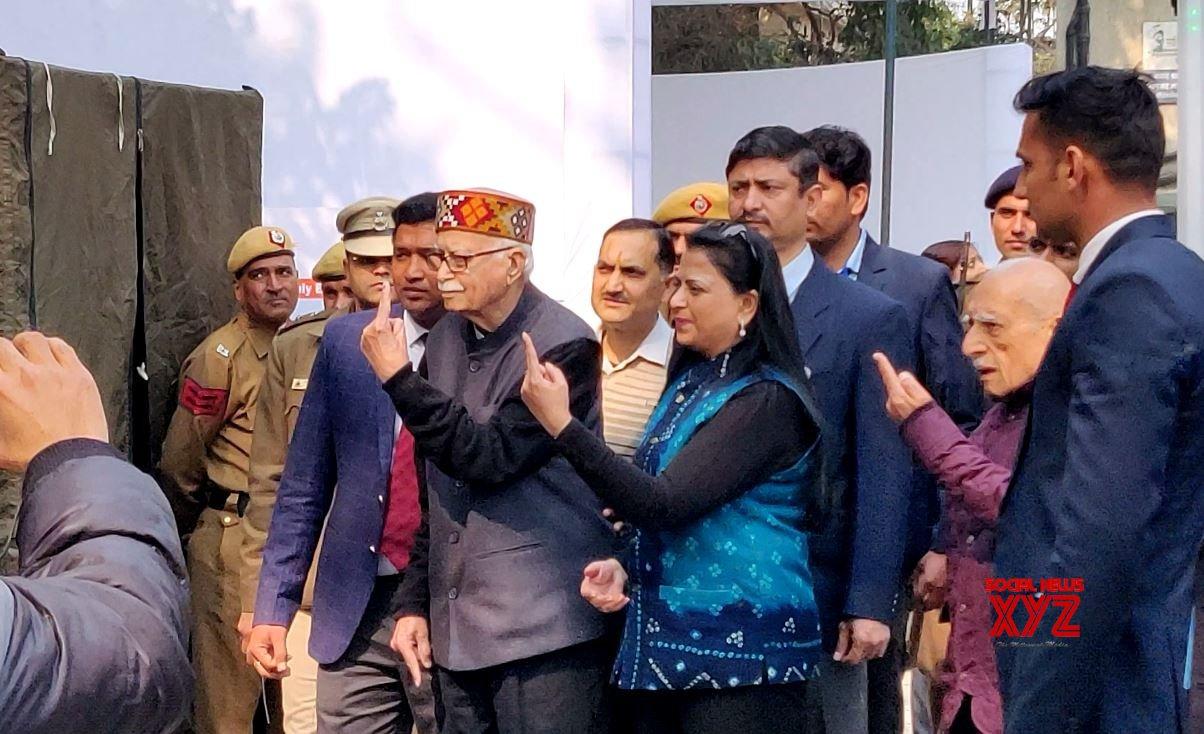New Delhi: Delhi Polls 2020 - LK Advani casts vote #Gallery