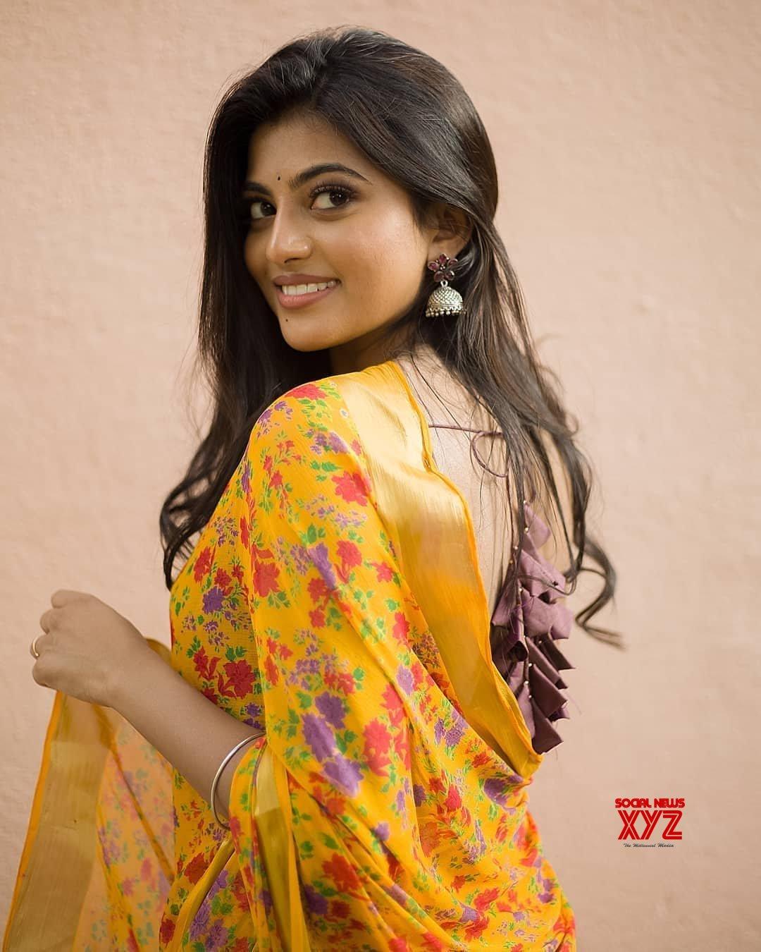 Actress Anandhi Gorgeous New Stills