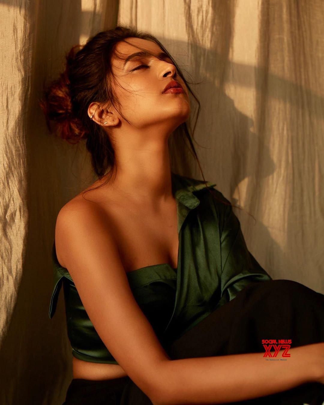 Actress Niharika Konidela Latest Hot Stills