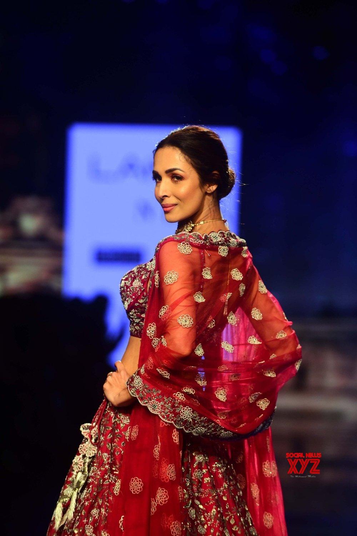 Mumbai: Malaika walks for Varun Chakkilam at Lakme Fashion Week Day 4 #Gallery