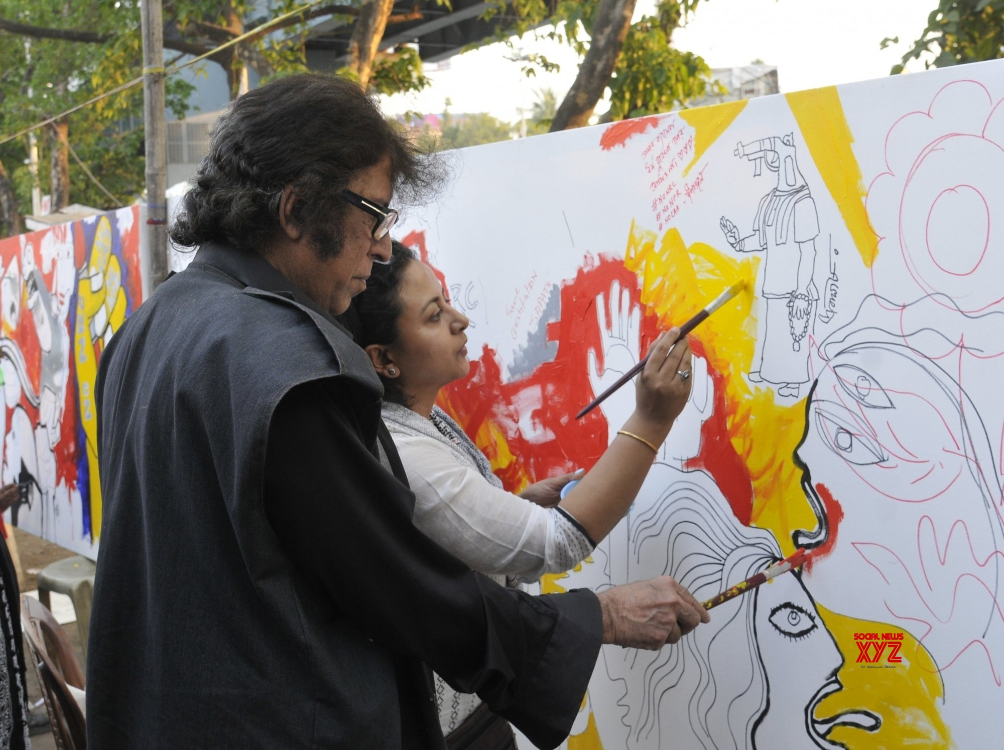 Kolkata: Painter Wasim Kapoor protests against CAA, NRC #Gallery