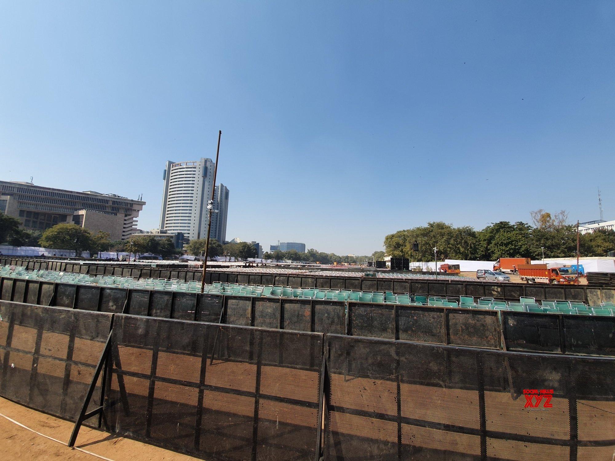 New Delhi: Preparations for Kejriwal's wearing - in ceremony underway at Ramlila Ground #Gallery