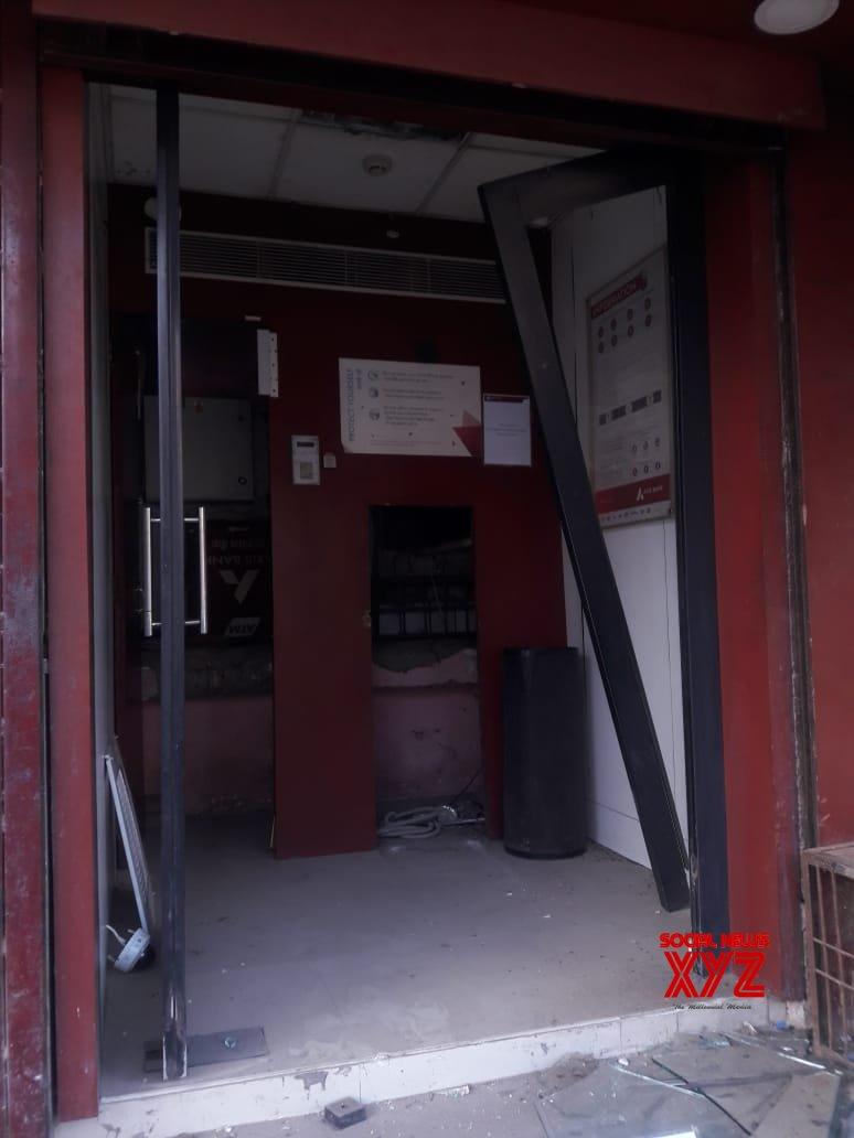 New Delhi: ATM stolen in Delhi's Tughlakabad Extn #Gallery