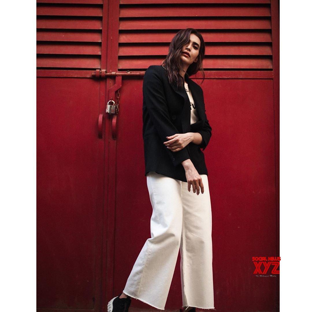 Actress Karishma Tanna Latest Stills