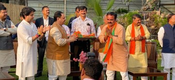 New Delhi: Rebel Congress MLAs of Madhya Pradesh meet BJP President JP Nadda in the presence of BJP leader Jyotiraditya Scindia, in New Delhi on March 21, 2020. The 22 Congress legislators, including six ministers who earlier tendered their resignations after political crisis brewed in Madhya Pradesh as Jyotiraditya Scindia jumped ship to BJP, are believed to take BJP's primary membership. (Photo: IANS)
